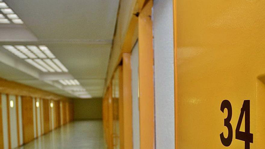 Padres divorciados vigueses acaban en prisión por no pagar la pensión a sus hijos