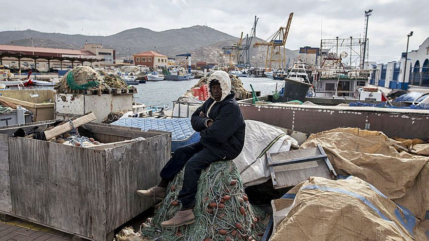 La flota pesquera regional se queda en tierra por las restricciones de la UE