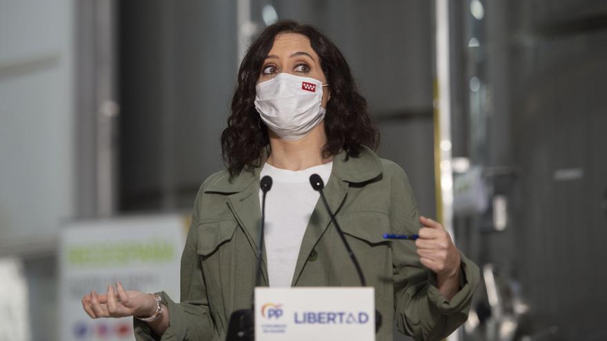 La Junta Electoral Central pide expedientar a Ayuso por hacer campaña en actos institucionales