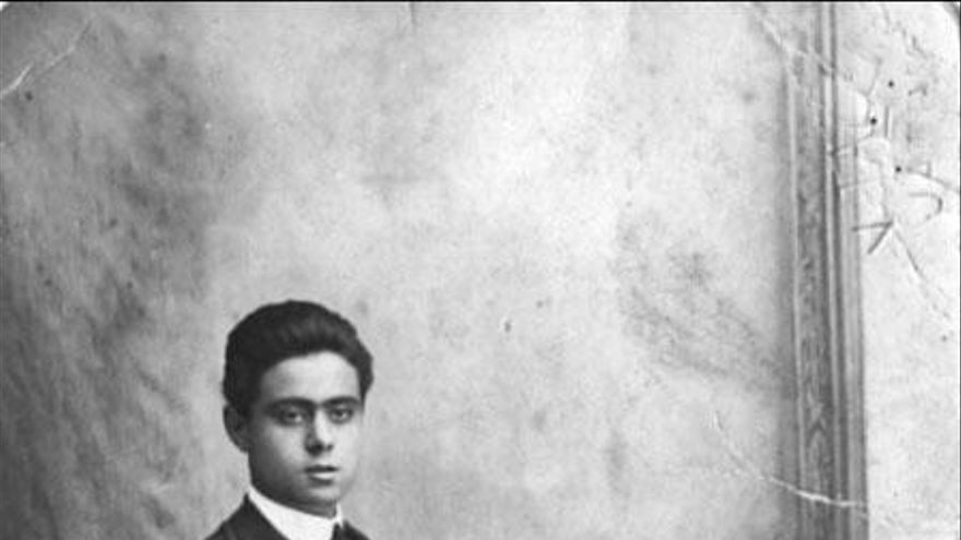 Donís Estellés: comerciant, sindicalista i republicà xativí