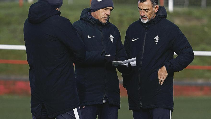 Pandurovic releva a Javi López para frenar la sangría a balón parado del Sporting