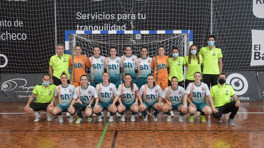 El STV Roldán luchará por el título tras ganar al Móstoles con goleada (7-1)