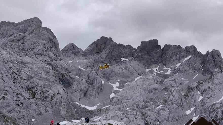 Tres rescates de montaña de otros tantos accidentados en Morcín, Amieva y Cabrales