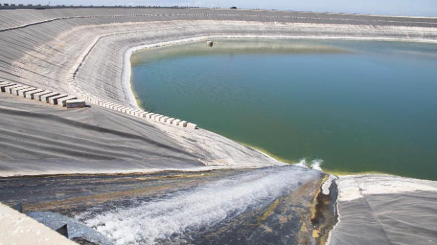 Los embalses mantienen sus niveles de agua a pesar de las tareas de reparación