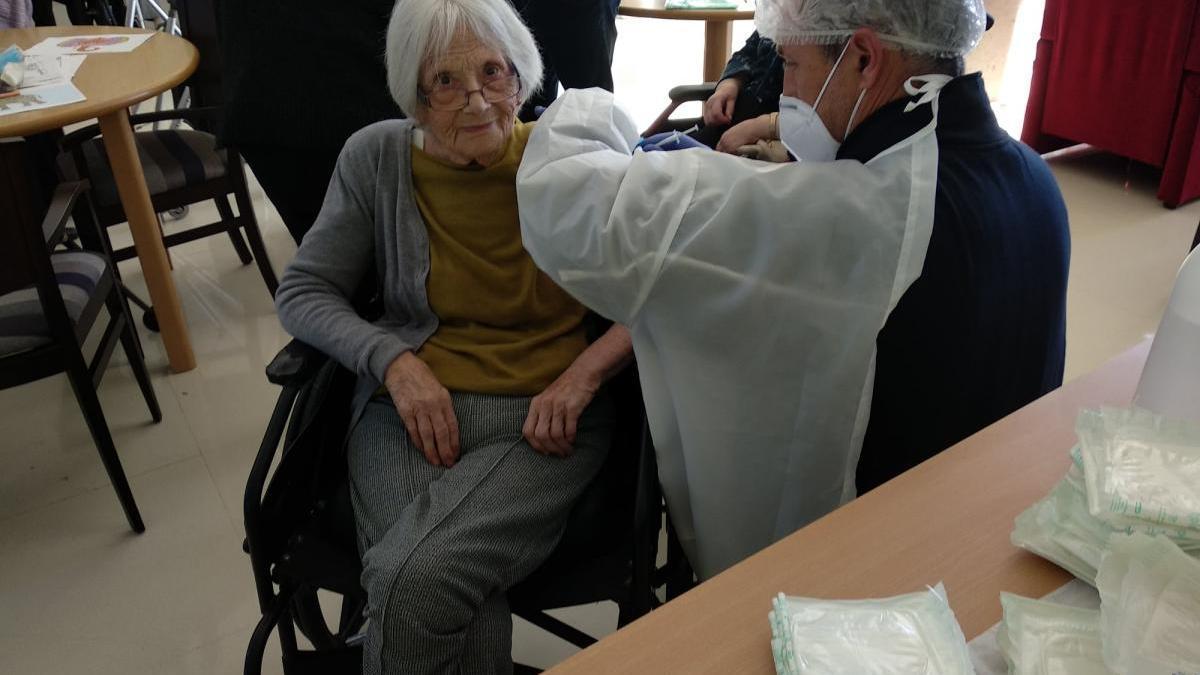 La vacunación en las residencias se frena en seco por falta de dosis en Castellón