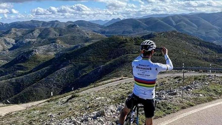 El campeón del mundo de ciclismo corona l'Almiserà de Pego
