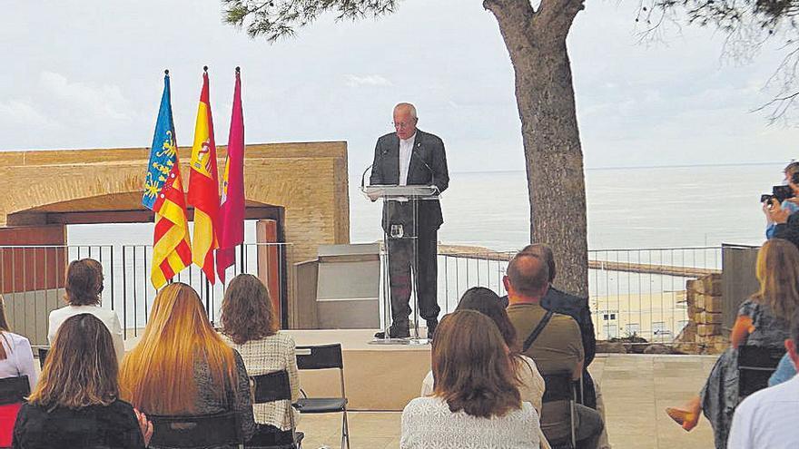 """El alcalde de Dénia pide """"alejar los extremos que pueden hacernos daño"""""""