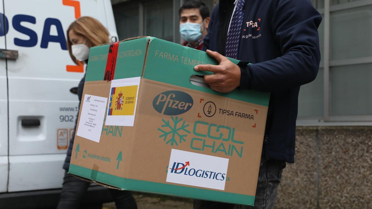 las primeras vacunas contra el coronavirus llegan a la Residencia Mixta de Gijón