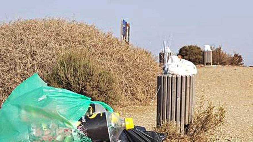 Vecinos critican falta de limpieza en la isla de Tabarca y en partidas
