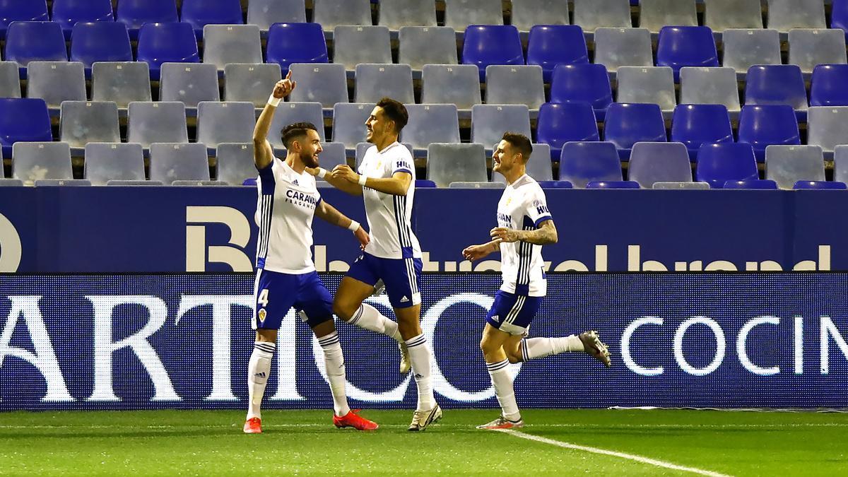 Peybernes celebra el gol que anotó con el Zaragoza ante el Mirandés.