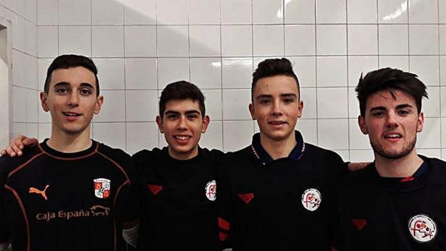 Los jugadores del River Zamora posan para las cámaras.