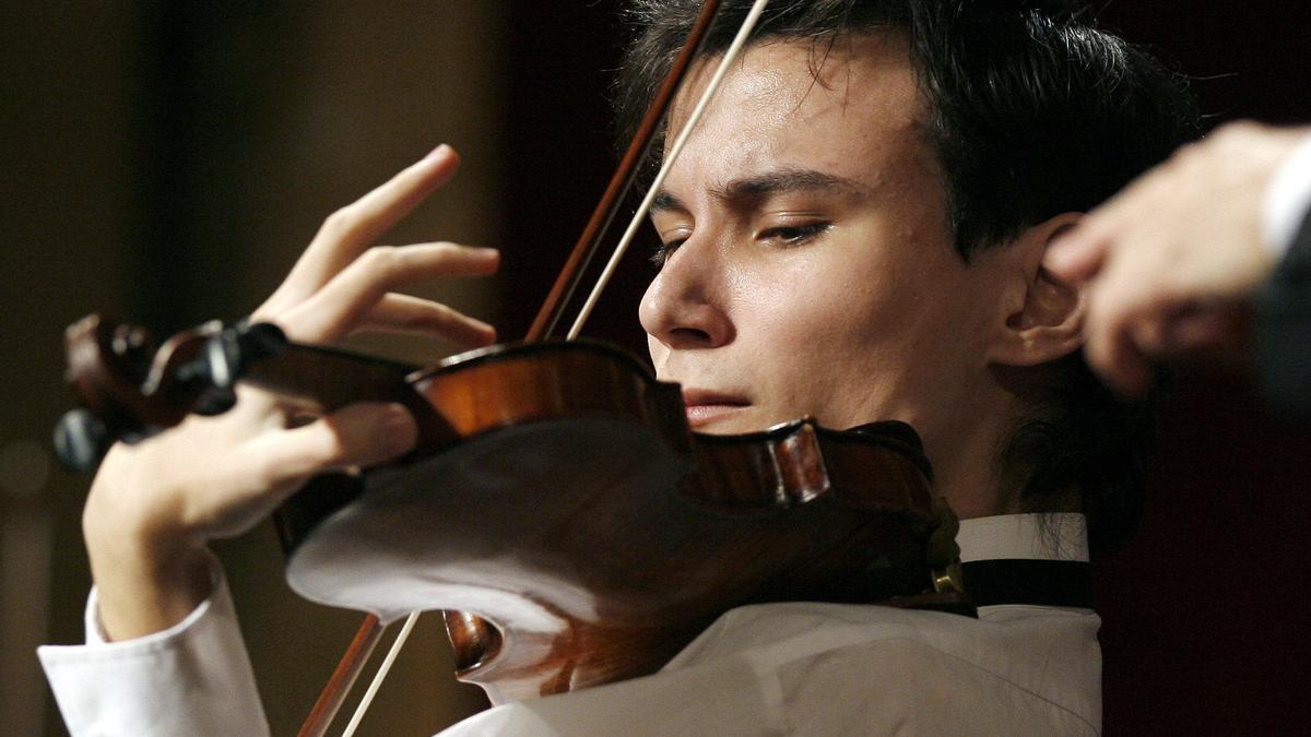 Foto de archivo de un concierto de violín.