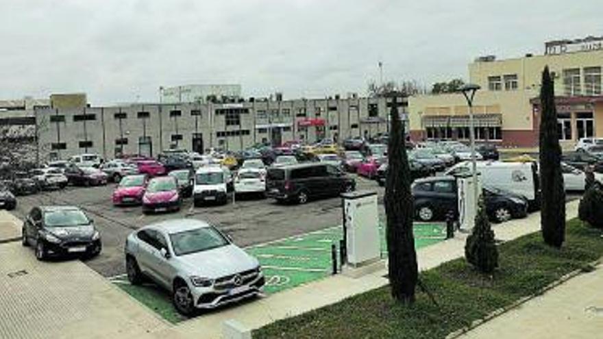 Asivalco reclama reordenar las plazas de aparcamiento