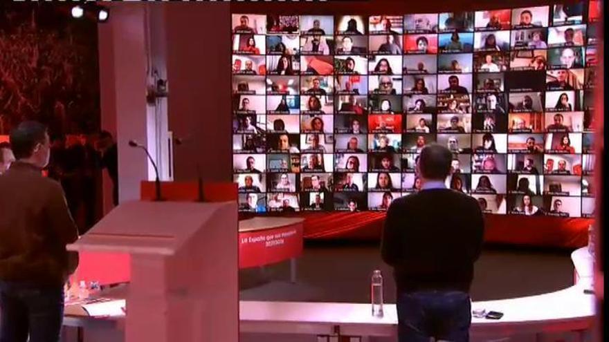 El Comité Federal del PSOE arranca con un minuto de silencio por las víctimas de la pandemia