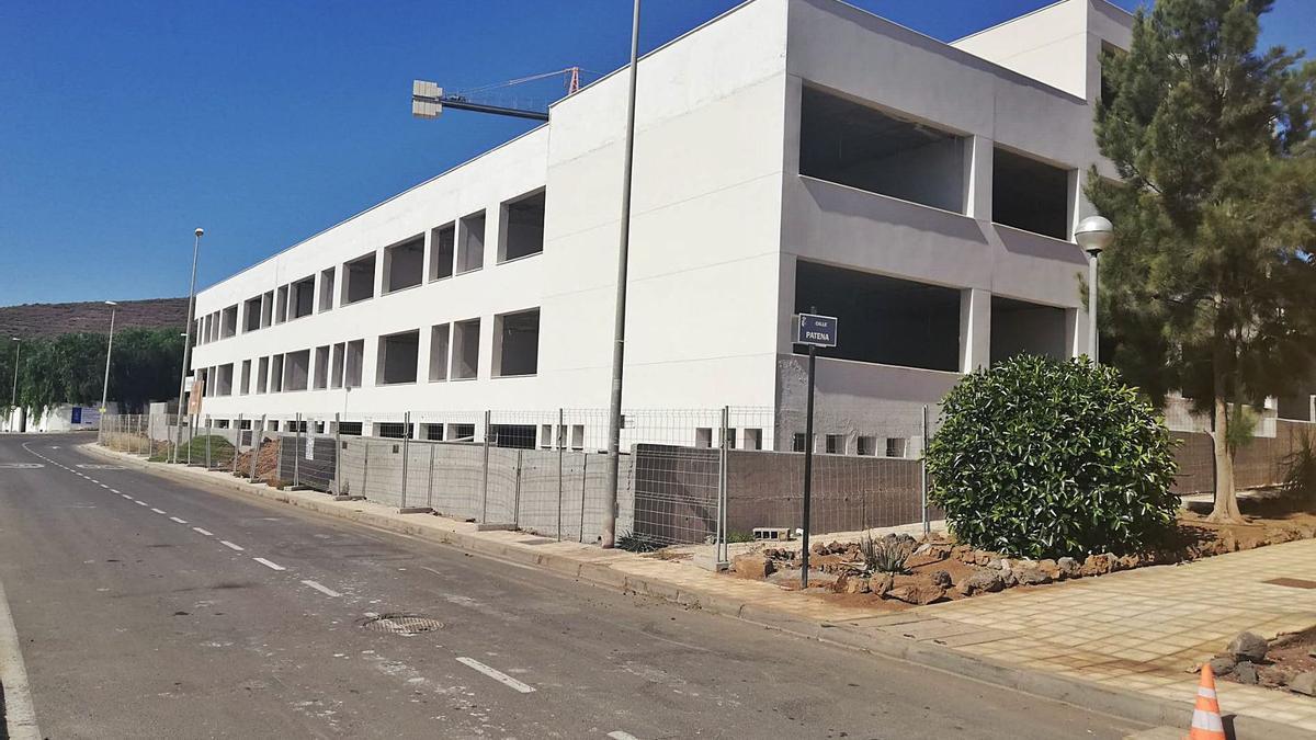 Instituto de Enseñanza Secundaria (IES) Guaza, en construcción en Parque de La Reina.