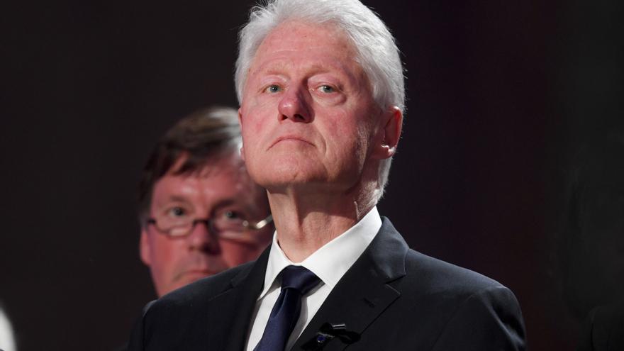 Bill Clinton lleva tres días ingresado en una UCI
