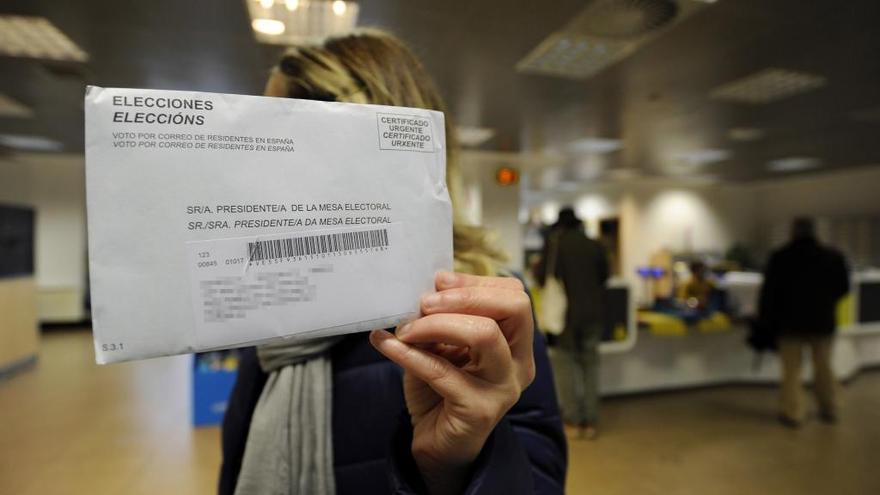 Un total de 72.161 gallegos ha votado ya por correo, un 79,5% más que en las autonómicas de 2016