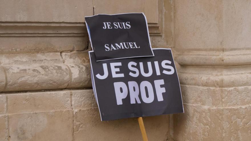 El instituto del profesor Paty descarta adoptar su nombre por temor a represalias