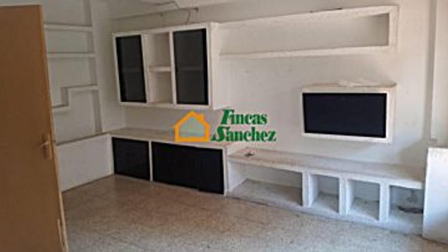 113.000 € Venta de piso en Delicias (Zaragoza) 64 m2, 2 habitaciones, 1 baño, 1.766 €/m2...