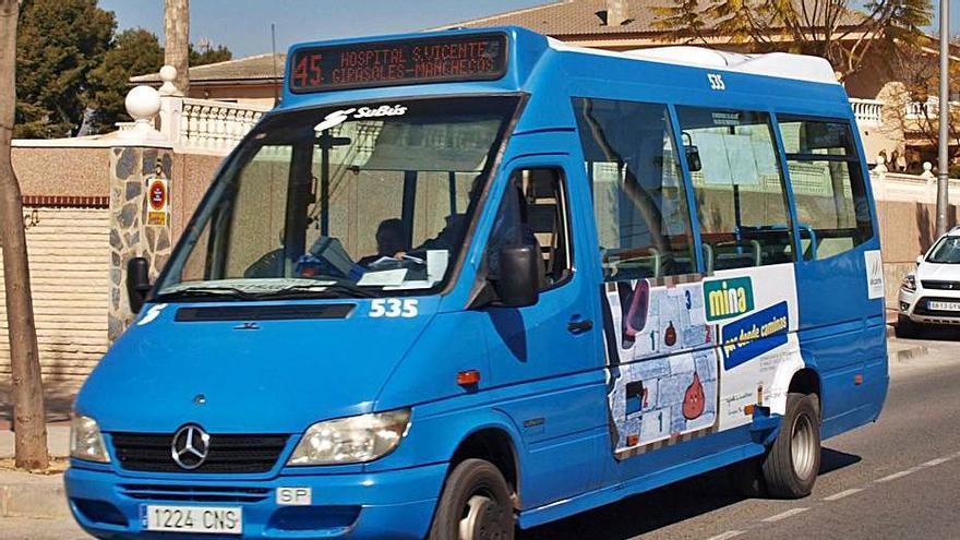 San Vicente da luz verde a la licitación de bus entre críticas de la oposición