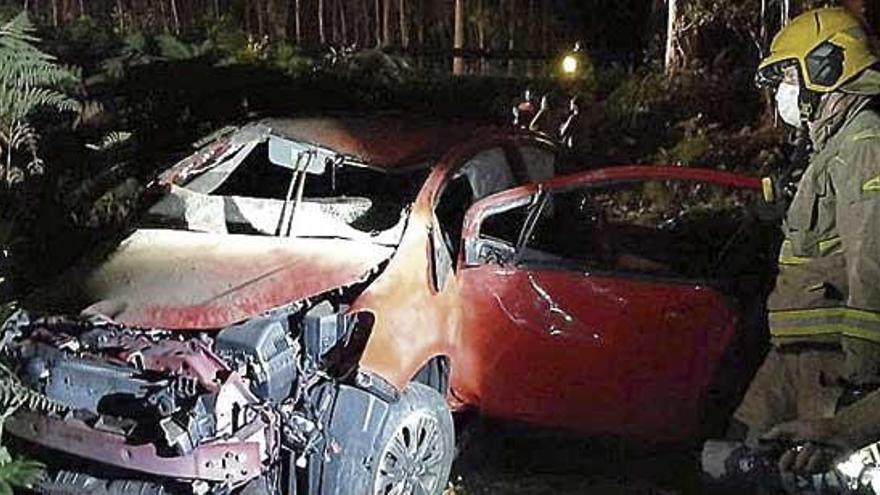 Una conductora resulta herida tras una salida de vía en Bueu