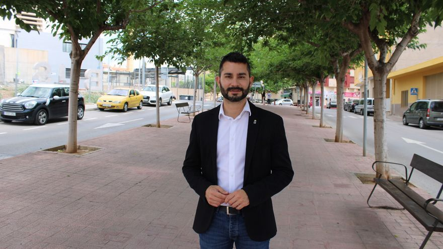 """El alcalde de l'Alcora valora los apoyos tras sufrir un ataque homófobo: """"Ridiculizar por la sexualidad tiene consecuencias"""""""