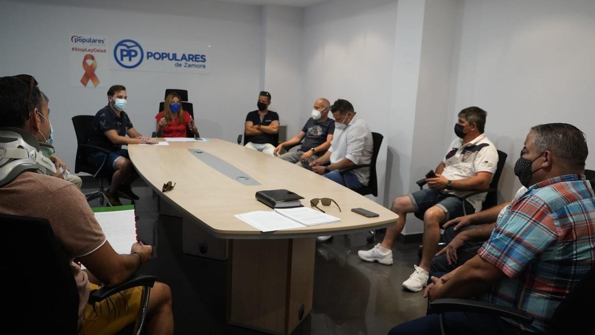 Reunión entre el PP y Zamora Limpia
