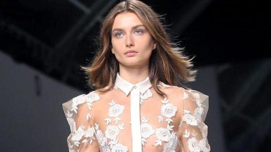 Pastel y tejidos vaporosos para la mujer de Giorgio  Armani