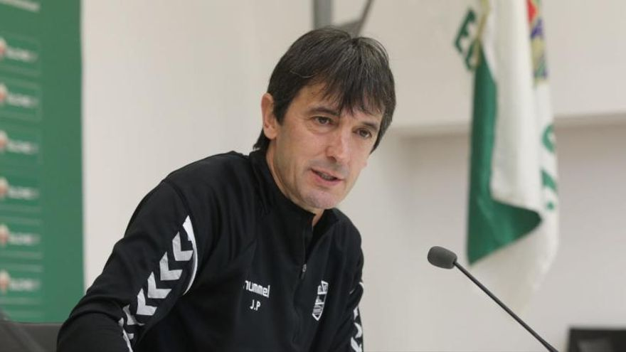 """Pacheta: """"El partido de Las Palmas se va a cocer en el centro del campo"""""""