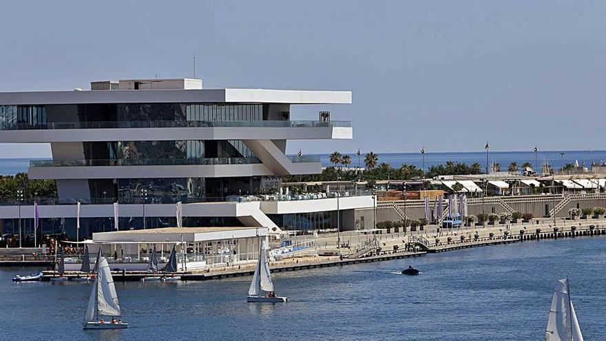 Un local de la Marina reclama 117.000 euros al consistorio