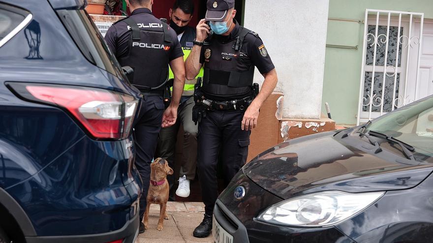 La Policía apunta a una difícil convivencia entre tía y sobrino en el crimen de La Laguna