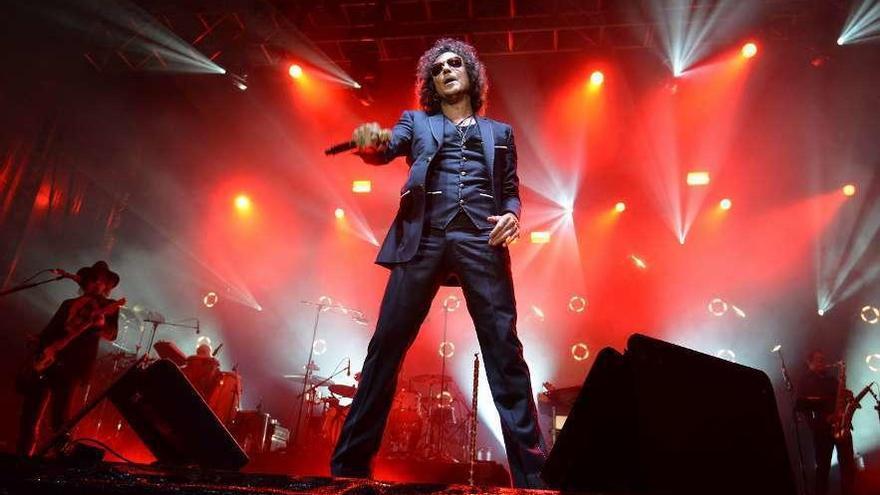 Pontevedra vibra con Enrique Bunbury, leyenda del pop-rock español