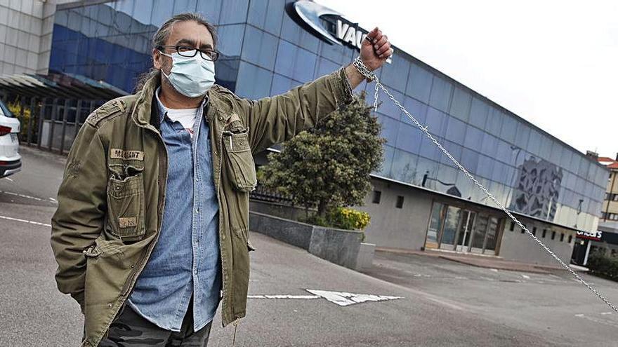 Protesta de un delegado de CSI en Vauste | ÁNGEL GONZÁLEZ