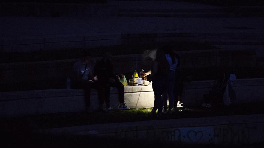 Un herido por arma blanca y siete detenidos en un botellón en Madrid