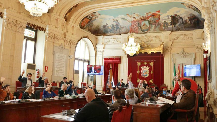 La cita judicial de Pomares y Porras fuerza a retrasar el pleno al día 30 de abril