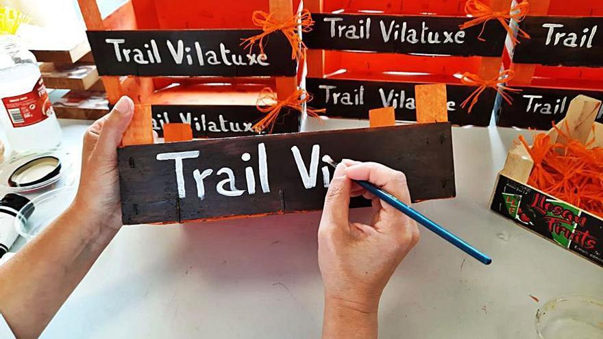 Aspadeza prepara la cartelería del Trail de Vilatuxe
