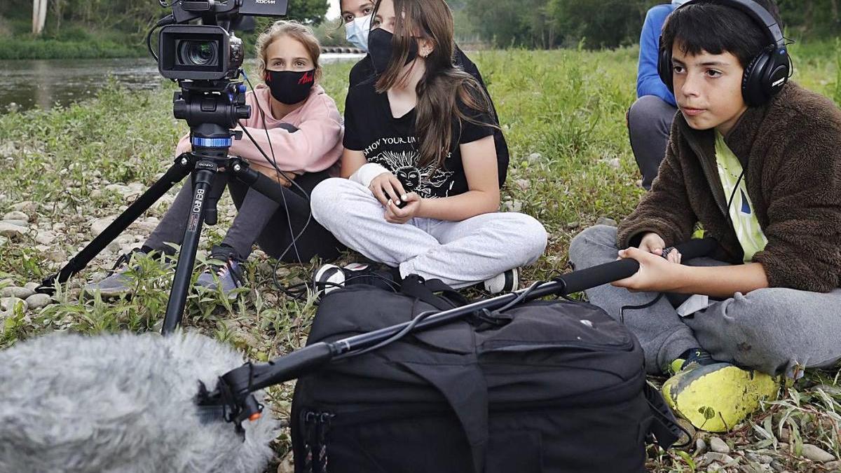 Els alumnes s'encarreguen de totes les feines en l'elaboració del curtmetratge.