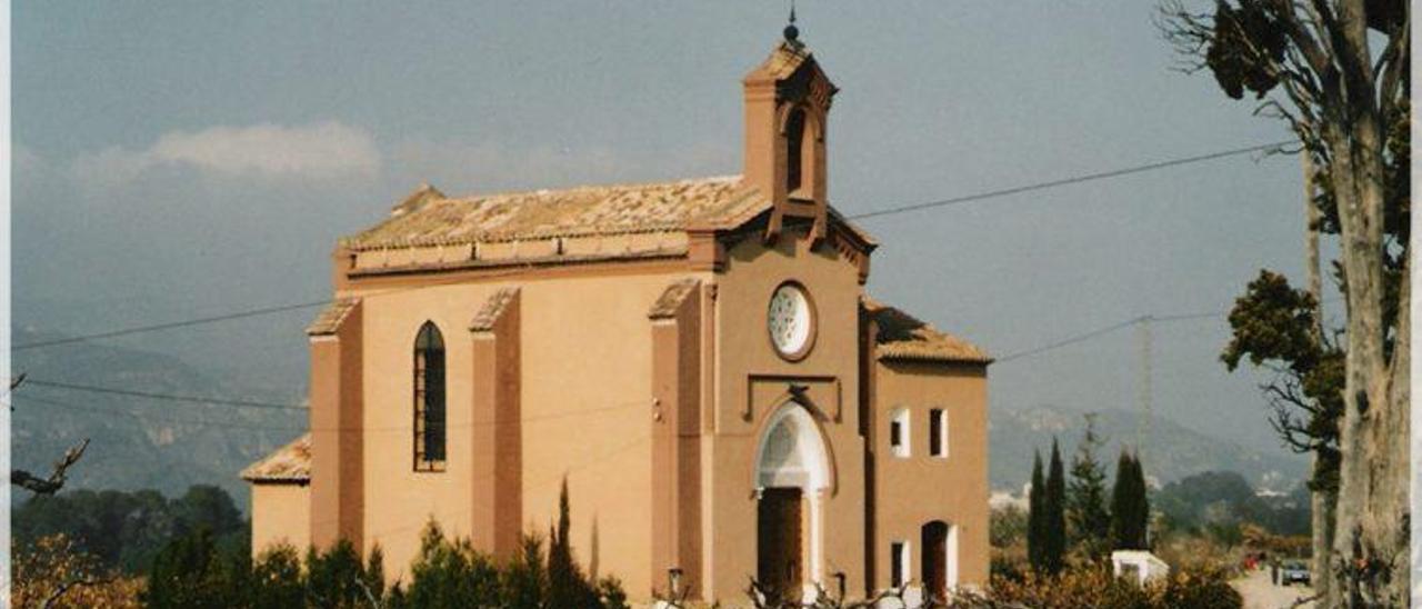 La ermita de Terrateig, reconsruidaa finales del s. XIX y propiedad hasta ahora de la familia Manglano, ha pasado a manos del consistorio.   VALÈNCIA TURISME