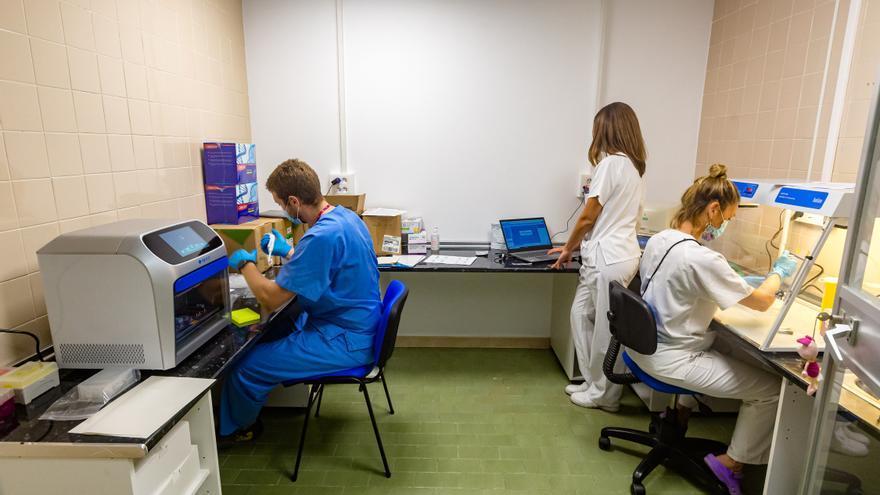 La Marina Baixa ya tiene su máquina para analizar PCR en un máximo de 48 horas