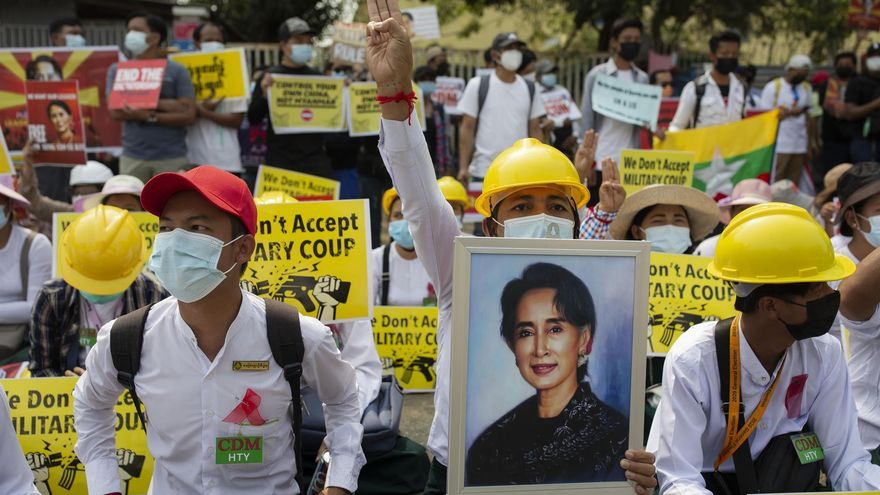 La comunidad internacional amenaza con sanciones al Gobierno militar birmano