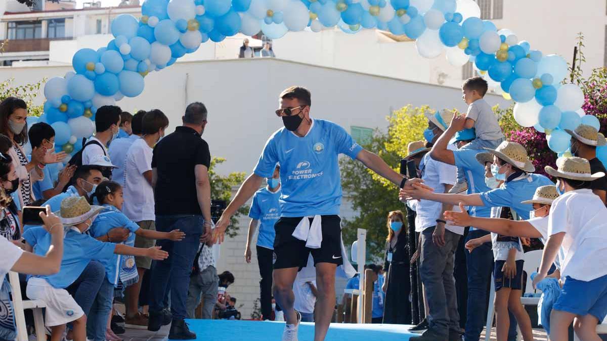 Imágenes de la celebración en casa de la UD Ibiza