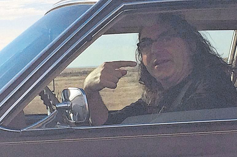 Monserrat, con su Cadillac Deville del 73.