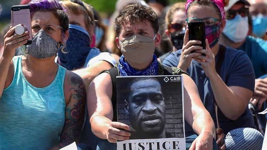 Salen a la luz nuevos vídeos del asesinato de George Floyd