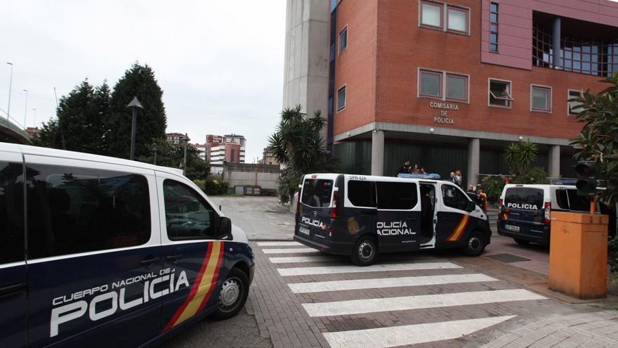 Detenido un hombre sorprendido mientras conducía un vehículo robado en Gijón