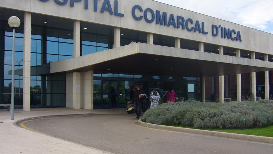 El Hospital de Inca restringe  las visitas por la subida de casos de coronavirus