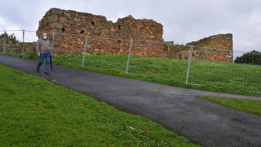 El Concello restaurará el castillo de Eirís y la Fonte dos Caños con todo su entorno