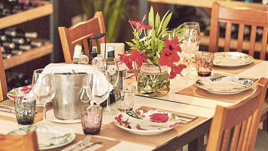 En es Pla la gastronomía se adereza con música