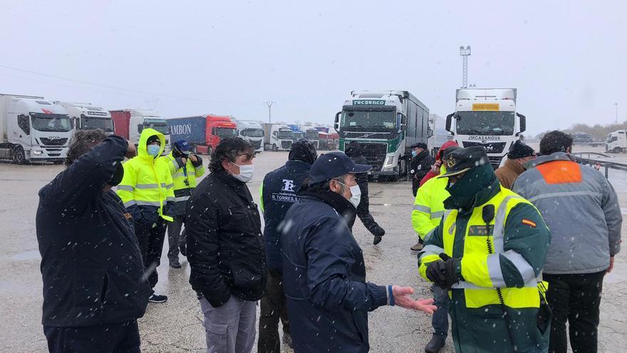 Filomena obliga a parar a decenas de camioneros en El Rebollar