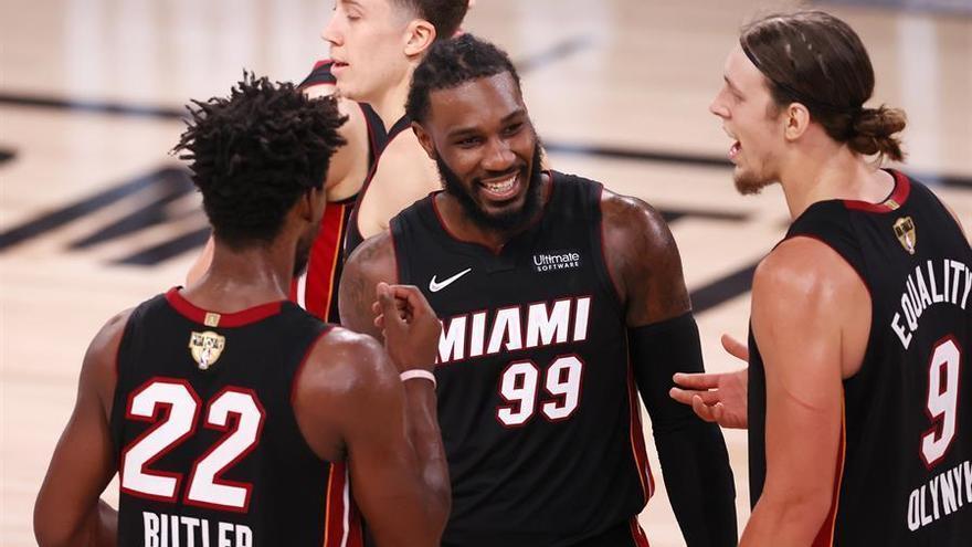 Los Heat recortan distancias a los Lakers de la mano de Butler (115-104)