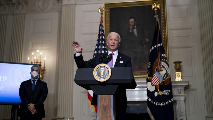 Biden suspende todas las ventas de armas iniciadas por Trump